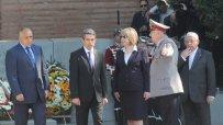 росен-плевнелиев-празнува-за-първи-път-гергьовден-като-главнокомандващ-4278.jpg