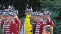 росен-плевнелиев-празнува-за-първи-път-гергьовден-като-главнокомандващ-4290.jpg