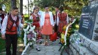 десислава-танева-откри-традиционния-празник-златна-праскова-в-гавраилово-24454.jpg