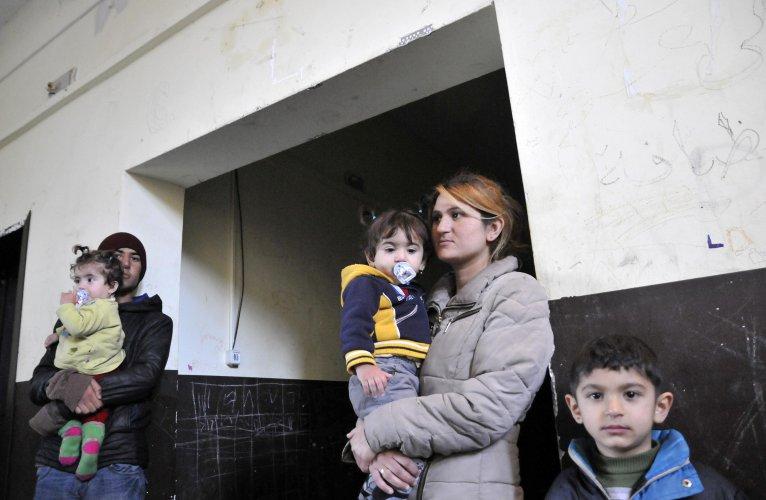 изведоха-от-лагера-в-харманли-20-мигранти-участвали-в-бунта-40064.jpg