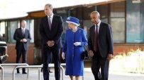 кралица-елизабет-ii-и-принц-уилям-се-срещнаха-с-оцелели-от-лондонския-пожар-46082.jpg