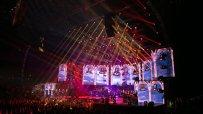 над-15-000-души-на-концерта-на-слави-трифонов-46128.jpg