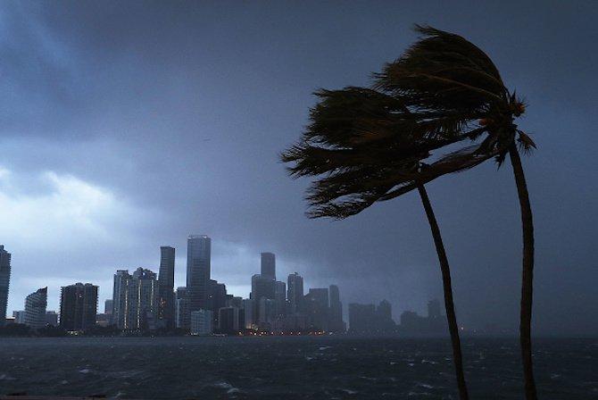 ураганът-quot;ирма-quot;-сее-разруха-в-карибския-регион-и-сащ-48922.jpg