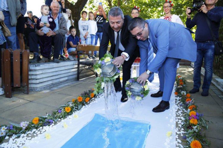 борисов-присъства-на-откриването-на-реконструиран-топлопровод-за-минерална-вода-в-девин-49132.jpg