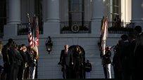 доналд-тръмп-запази-минута-мълчание-по-повод-16-ата-годишнина-от-атентатите-на-11-септември-48975.jpg
