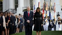 доналд-тръмп-запази-минута-мълчание-по-повод-16-ата-годишнина-от-атентатите-на-11-септември-48978.jpg