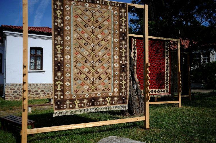 за-пета-година-чипровци-организира-quot;фестивал-на-чипровския-килим-quot;-57233.jpg