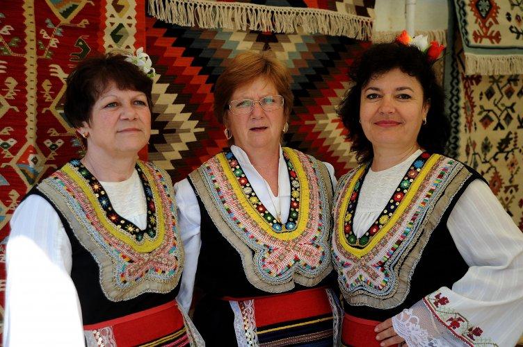 за-пета-година-чипровци-организира-quot;фестивал-на-чипровския-килим-quot;-57236.jpg