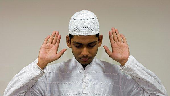 """""""Аллах акбар"""" подлуди самолет в САЩ"""