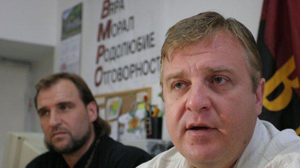 Войводите в Добрич искат Каракачанов за президент