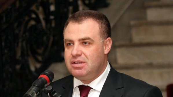 Мирослав Найденов: Опозицията да ме нарича, както иска