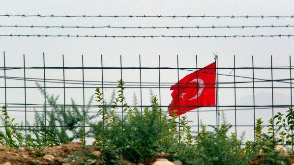 Вдигаме ограда с Турция до октомври