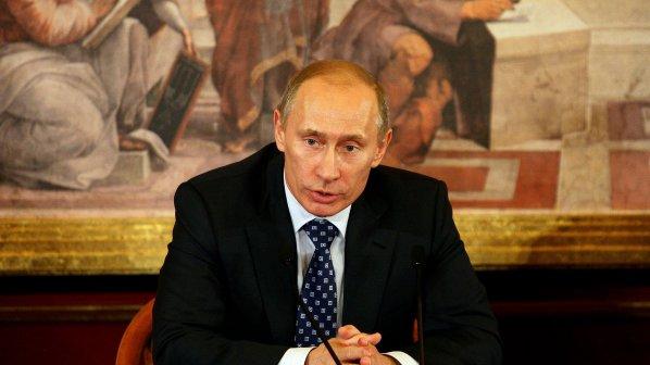 Медведев и Путин бистрят политиката на спортната площадка