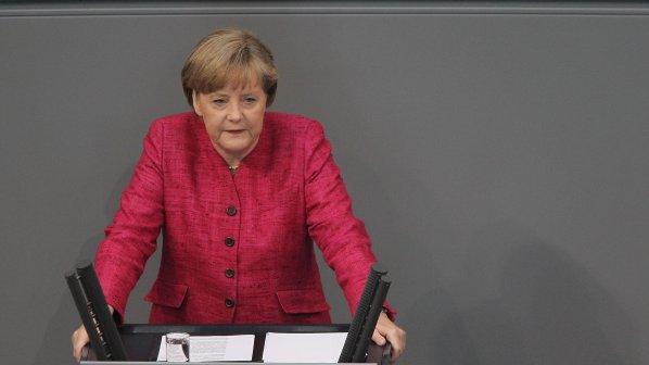 Меркел: Трябва да помогнем на страните от Евросъюза