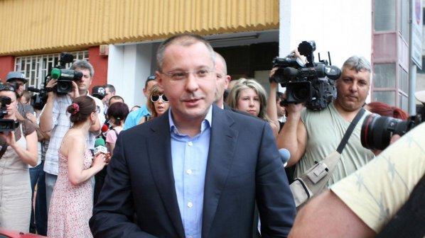 Станишев: Правителството превзема съдебната система