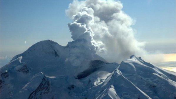 Вулкан изригна в Камчатка