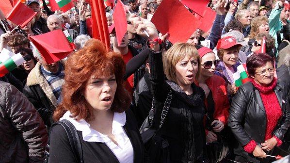 Мая Манолова: Консултирам само граждани, не и фирми