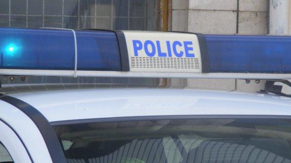 Петима пострадали при челен сблъсък на два автомобила