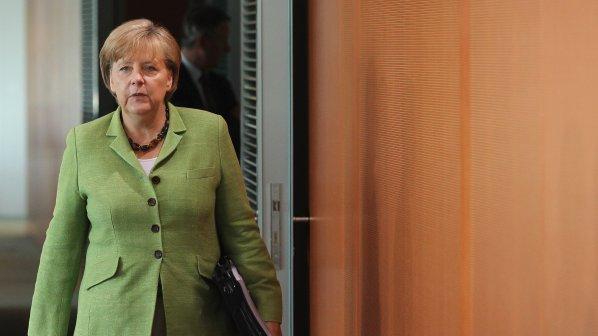 Меркел отхвърля идеята за еврооблигации