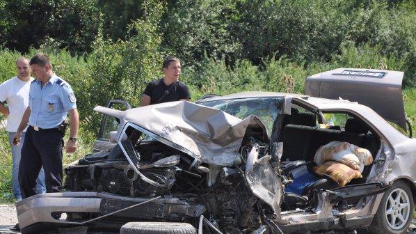 Починал е единият шофьор от катастрофата край Български извор
