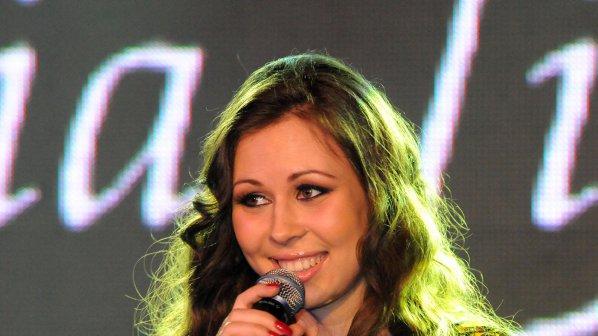 """Маги Джанаварова представи видеото на първия си сингъл """"Call My Name"""""""