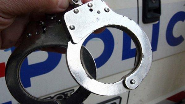 Пиян запали колата на мъж след скандал