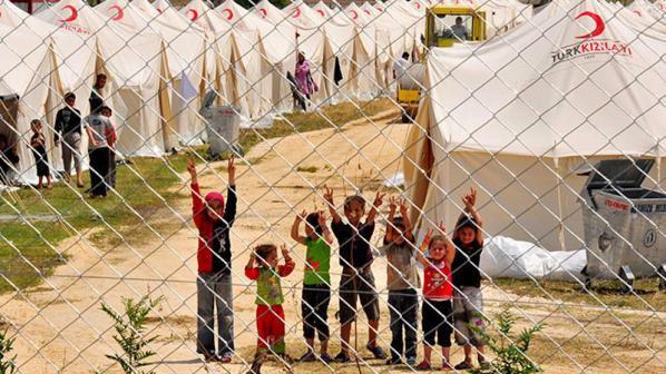 Турция изгражда нов лагер за 20 хиляди сирийски бежанци