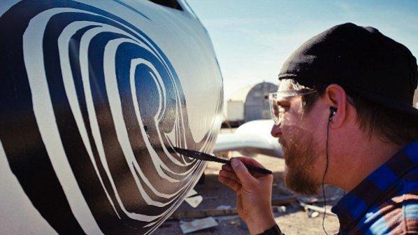 Графити върху самолети
