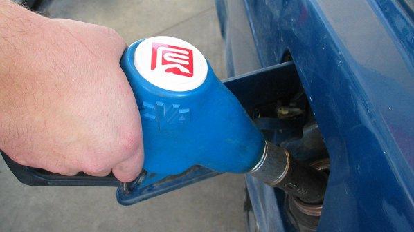 Нов ценови шок! Дизелът става 2,73 лв., а бензинът - 2,69 лв.