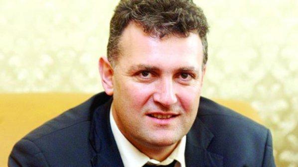 Валентин Николов става заместник на Делян Добрев