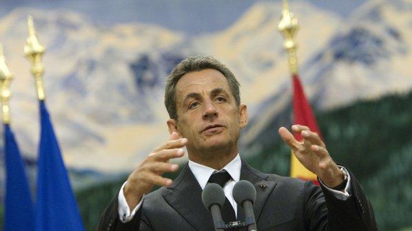 10 гардове бдят над Никола Саркози
