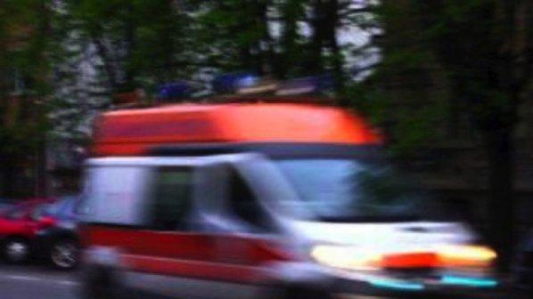 Мъж загина при челен сблъсък между кола и камион