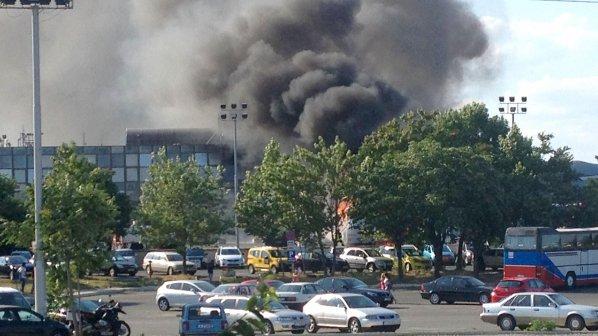 Терор на летище Бургас! Взривиха автобус с израелски туристи (видео+снимки 18+)