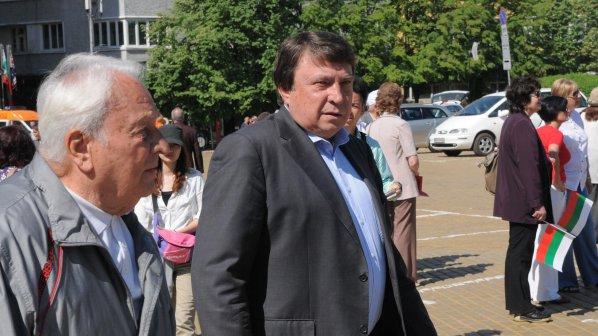 Младен Червеняков вдига комплекс за 1 млн. лв. на морето