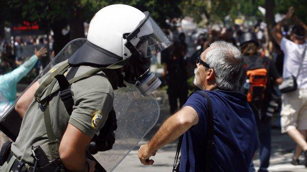 6000 полицаи ще бранят Меркел в Атина
