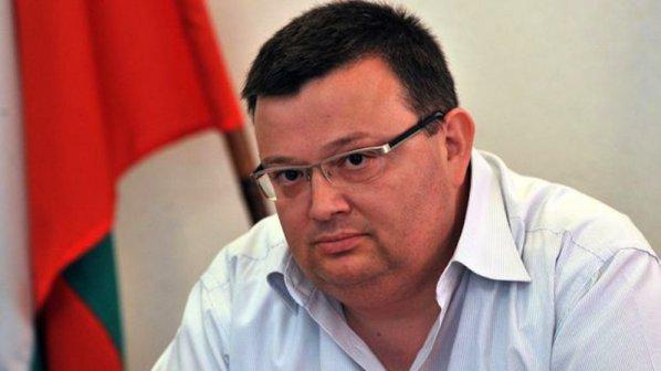 Сотир Цацаров чел делото срещу Цветанов преди да бъде разпределено на съдия