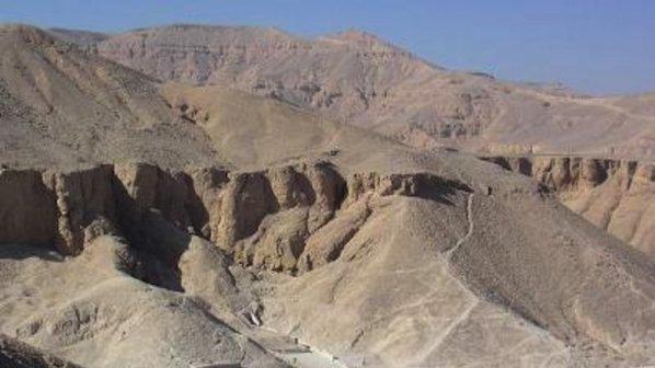 Откриха гробница на над 3000 год.