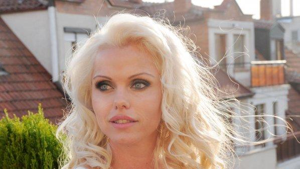 Асдис Ран пак тръгна на лов за български мъже