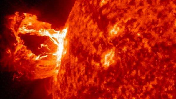 Слънчеви изригвания спират компютрите и телевизията през 2013 г.