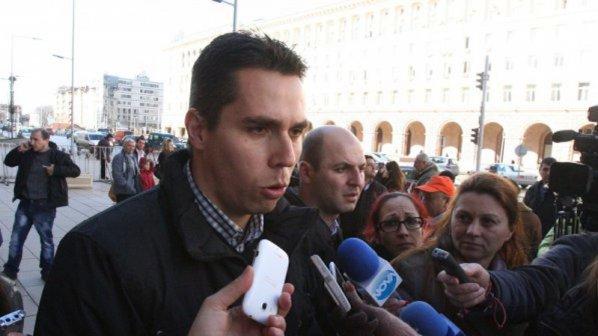 """Ангел Славчев: Искаме да изпълним израза """"народен представител"""" със съдържание"""