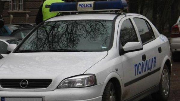 Пиян водач отнесе светофар в центъра на Плевен