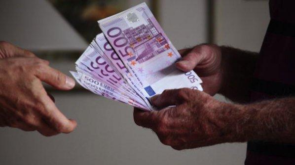 Помагаме на Холандия да се справи с нашенците, които точат социални фондове