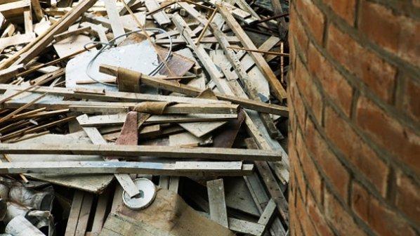 Срутената сграда в Мумбай взе една жертва