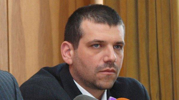 Калин Георгиев поема охраната на банка на Цветелина Бориславова