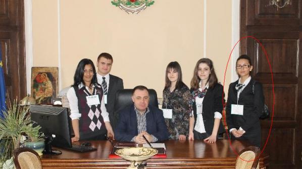 Любовницата на Миро Найденов прибира 350 бона