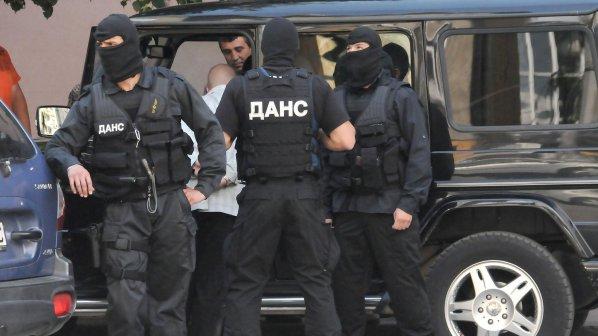 Задължават полицаите да убеждават бандитите да не вършат престъпления
