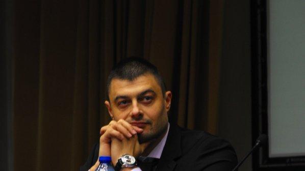 Борисов имал офшорка в Кипър, назначил за шеф автомонтьор