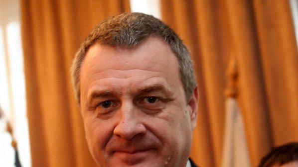 Цветлин Йовчев: Да се ограничат възможностите за притежаване на оръжие