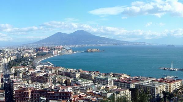Църквата в Неапол скочи на мафията