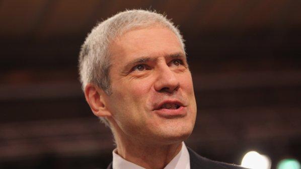 Сръбските демократи гонят бившия президент заради новата му партия